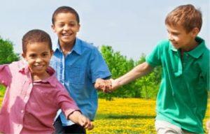 מאות ילקוטים חולקו לילדי הפריפריה